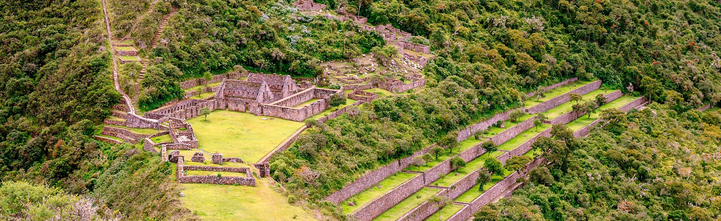 The 5D/4N trek to Choquequirao is 64km/39.76miles and ascends to 3,050m/10,006f