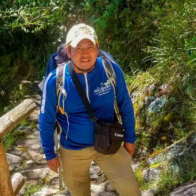 Private-Tour-Guides-in-Peru---Efrain